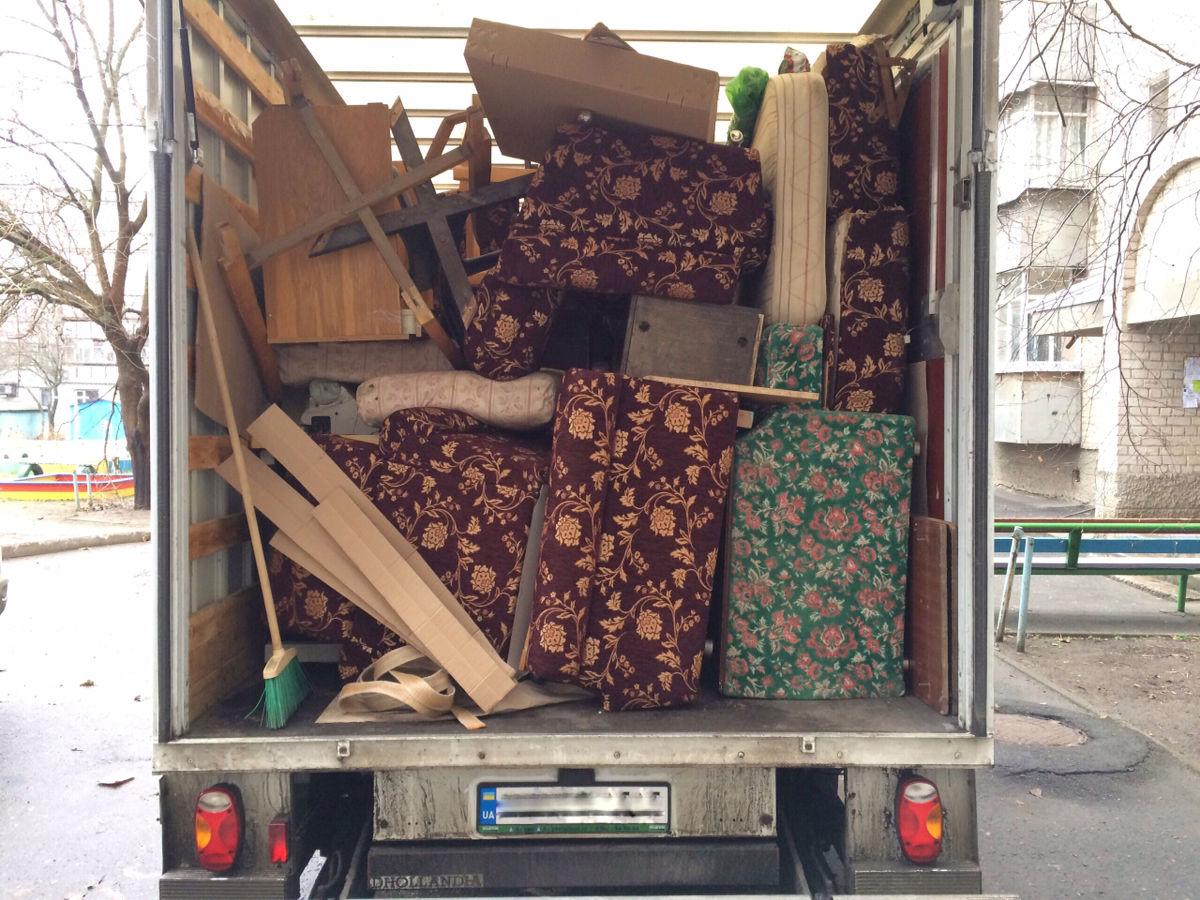 Как правильно упаковать мебель при переезде